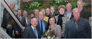 Mit Blumen wurde die CDU-Bundestagsabgeordnete Gitta Connemann (vorne, Mitte) bei ihrem Antrittsbesuch von SG-Bürgermeister Karl-Heinz Weber, von Parteifreunden und Mitgliedern der Verwaltung empfangen.Assies-Foto