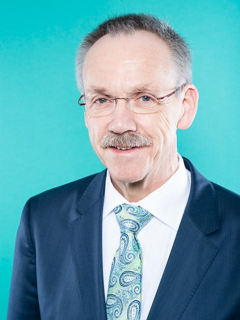 Samtgemeindebürgermeister und Gemeindedirektor - Karl-Heinz Weber