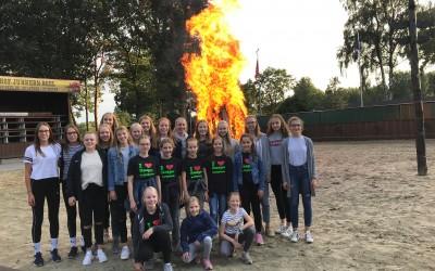 Erfolgreiche Volleyalldamen geehrt – Grillabend auf Junkern Beel