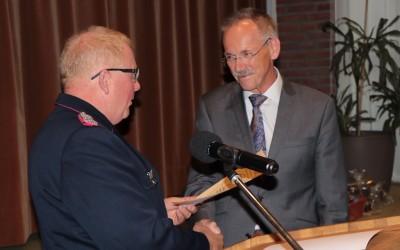 Niedersächsische Feuerwehr-Ehrenmedaille für Samtgemeindebürgermeister Karl-Heinz Weber