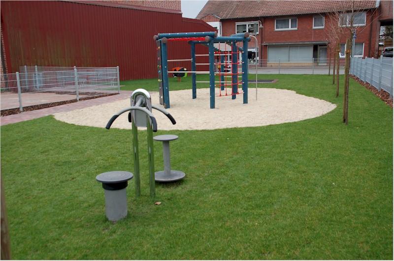 Mehrgenerationenspielplatz am Kolpingplatz in Lathen