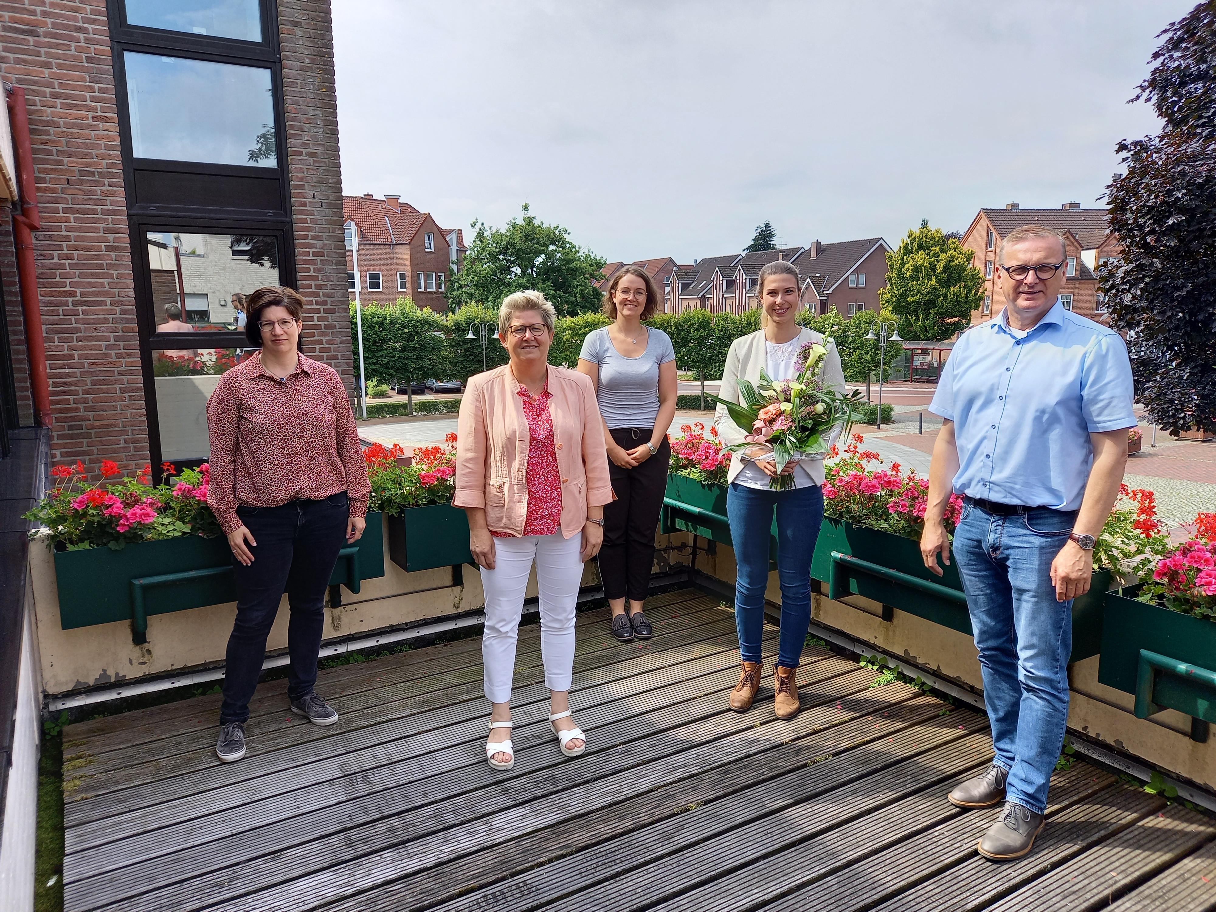 Neues aus dem Lathener Rathaus –  Helga Meyer zur Standesbeamtin bestellt und Ann-Kathrin Path zur Samtgemeindeinspektorin ernannt